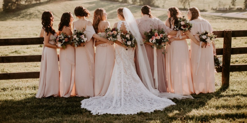 How to Have a Stylish & Fun Laid-back Wedding