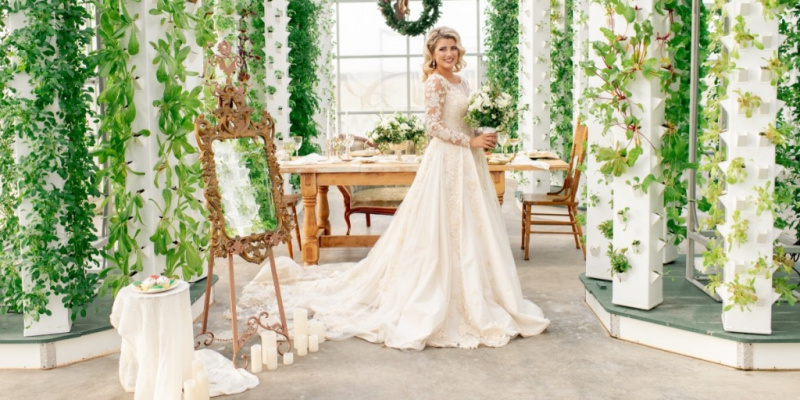 Organic Winter Garden Wedding in Green and White