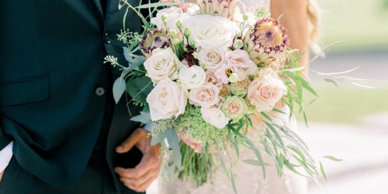 Elegant & Trendy Floral-Filled Outdoor Wedding