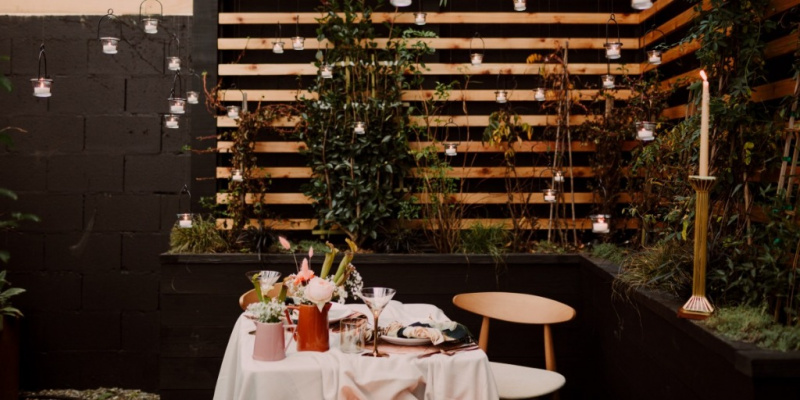 Modern Chic Wedding Inspiration With a 70s Spin