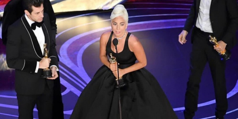 3 Things to Borrow from Lady Gaga's Oscars Everything
