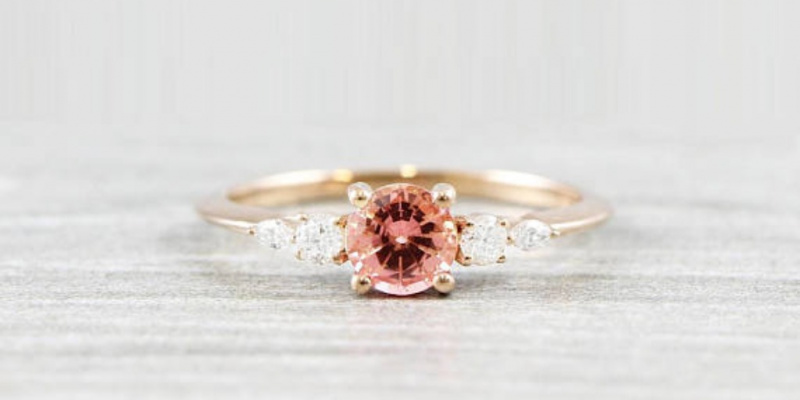 14 of the Chicest Under $1700 Engagement Rings on Etsy