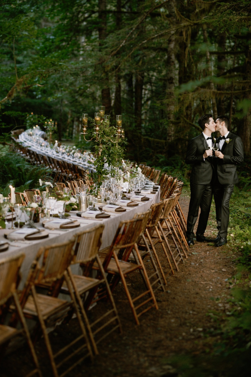 This Is The Longest Wedding Table We've Ever Seen | A Practical Wedding