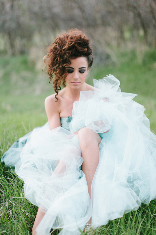 30 Unique Wedding Hair Ideas You'll Want to Steal