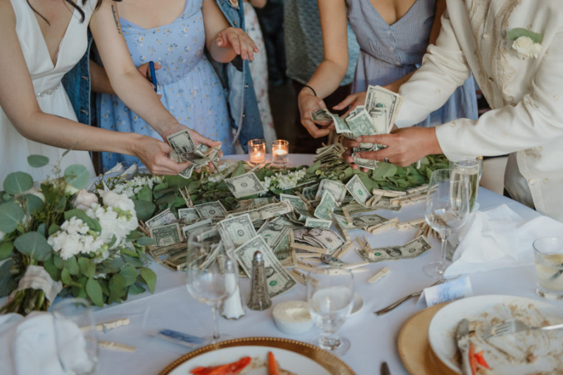 My Friend Bought Me A Used Wedding Gift That Cost $15 | A Practical Wedding