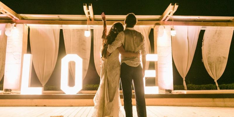 An Elegant Wedding in Greece Next to The Sea