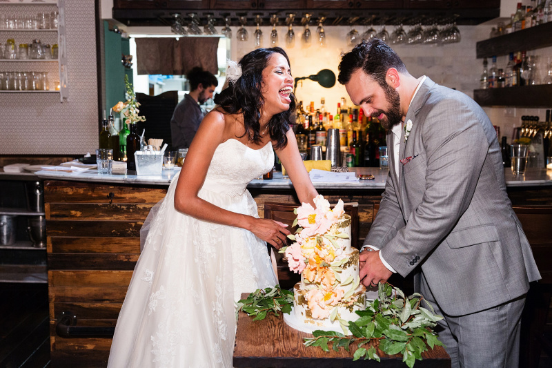 Here's How 5 NYC Couples Planned Foodie Weddings | APW