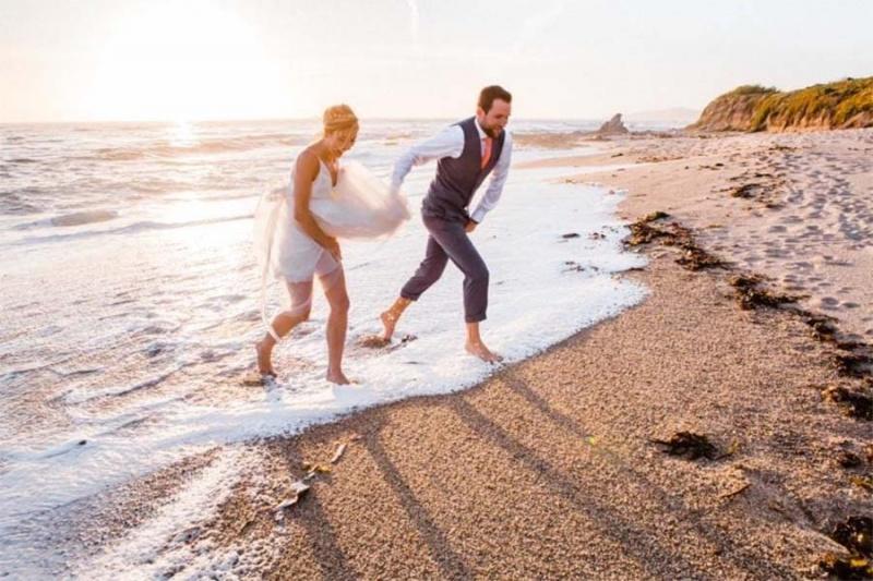 80+ Beach Wedding Dresses That Aren't Boring AF